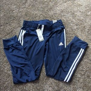 🏃🏼♀️NWT Adidas D2M Cuff Pants🏃🏼♀️